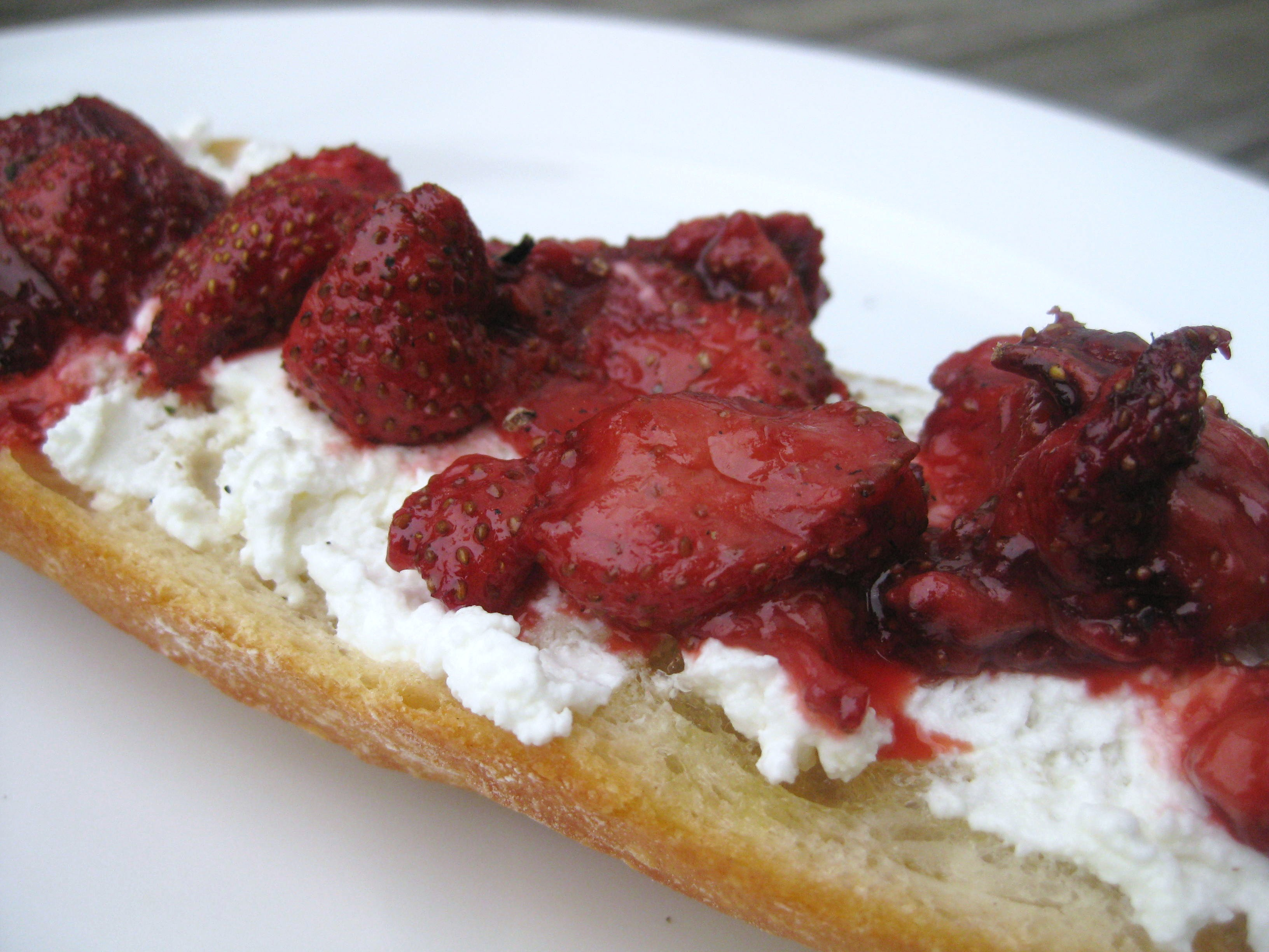 roasted strawberry baguette