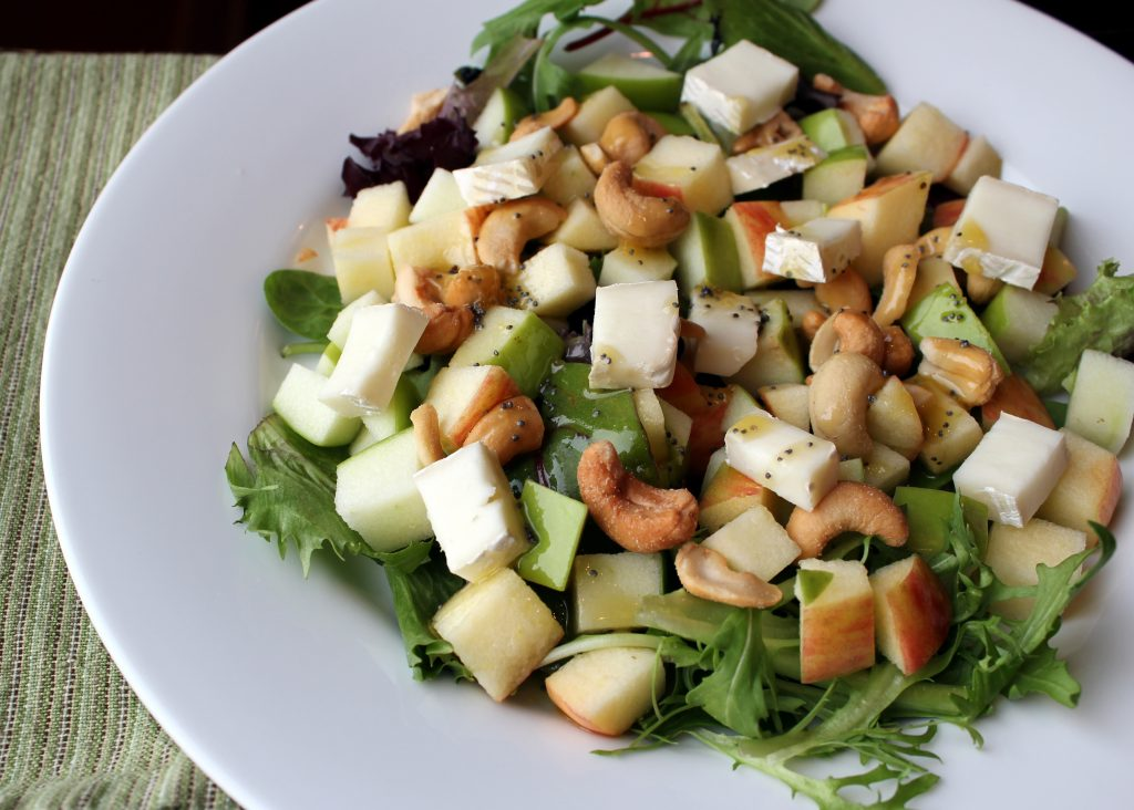 apple brie cashew salad