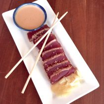 seared ahi tuna with chili garlic ginger dipping sauce
